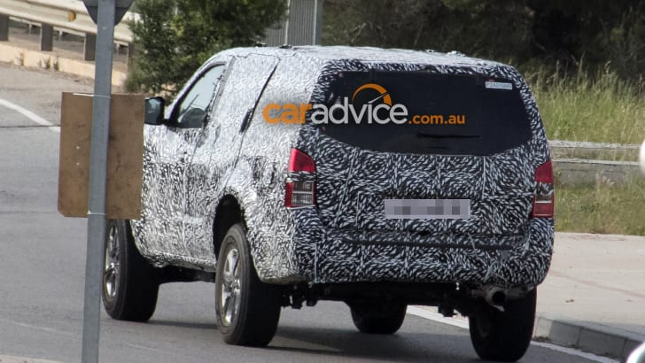 2017_nissan_navara_suv_armada_spy-photos_06