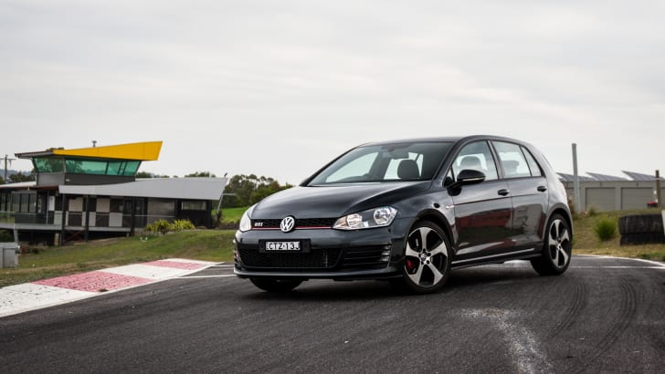 2015-hot-hatch-comparison-hauntedhills-57
