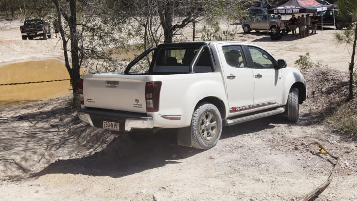 2017_isuzu_d-max_australian-first-drive-review_05