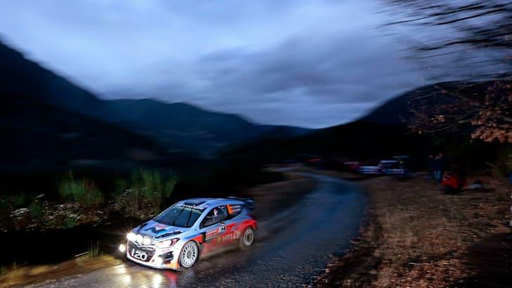 2014-Hyundai-WRC-05