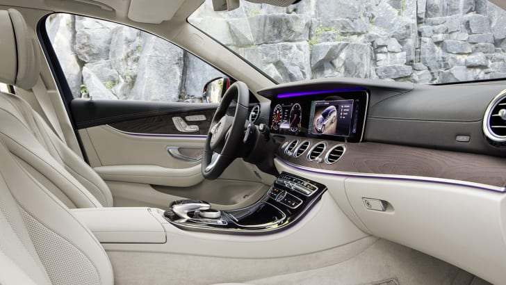 Mercedes-Benz E-Klasse All Terrain; Outdoor; 2016; Interieur: Leder Nappa macchiatobeige/espressobraun // Mercedes-Benz E-Class All Terrain; outdoor; 2016; interior: napp leather macchiato beige/esspresso brown