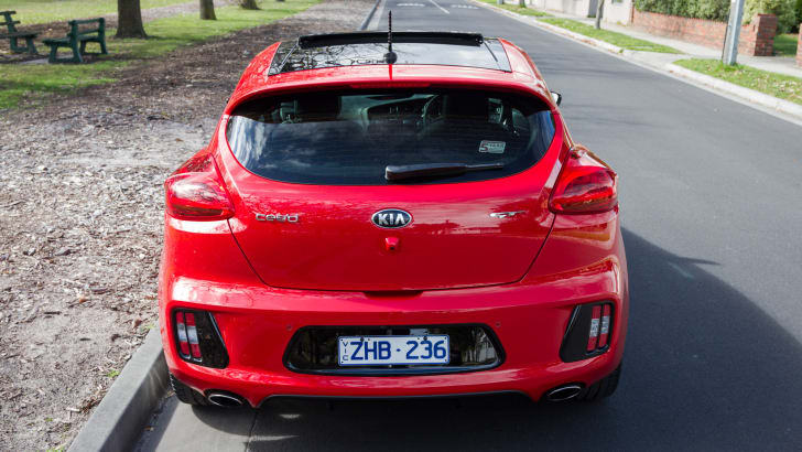2014-kia-pro_cee'd GT-manual-hatchback-4