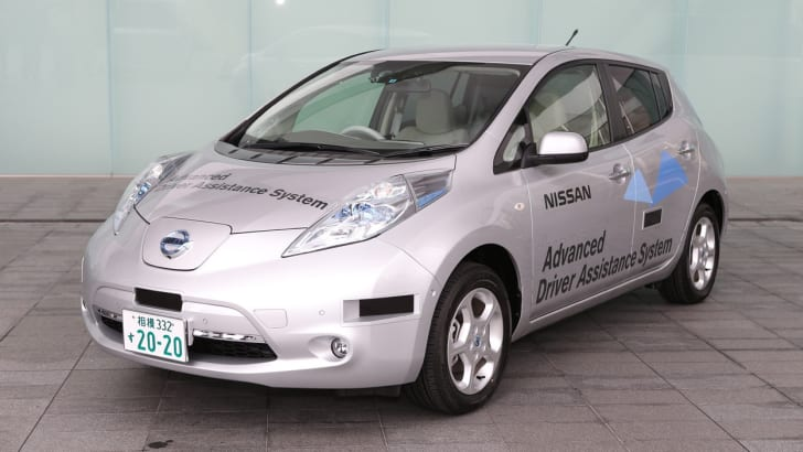 Nissan LEAF with Driver Assist System to be Tested in Japan