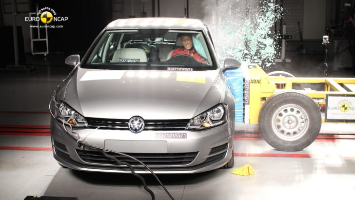 volkswagen-golf-crash-test-2