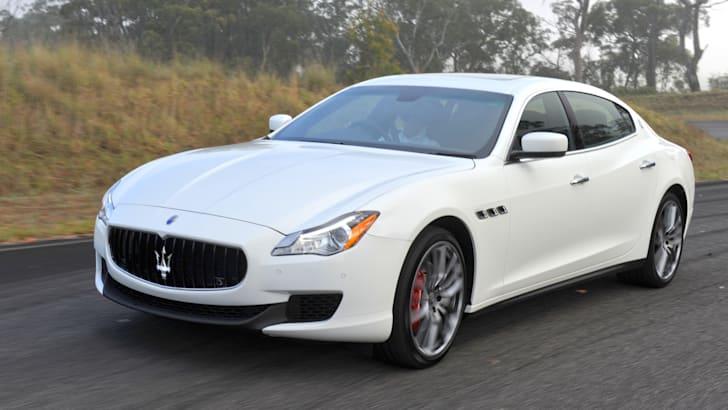 Maserati Quattroporte S turn in