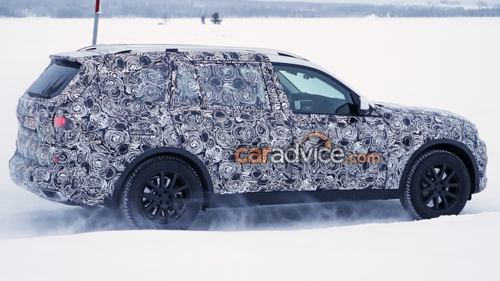 bmw-x7-winter-13