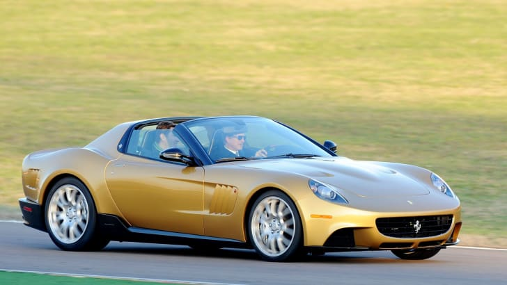 2010_Ferrari_P540_001