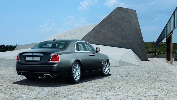 Rolls-Royce-Ghost-rearview