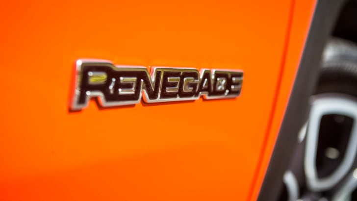 2016-jeep-renegade-limited-44