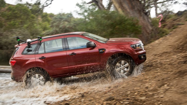 2016-mux-fortuner-everest-pajerosport-patrol-4x4-wagon-comparison-233