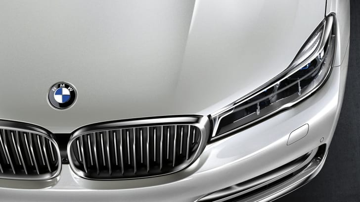 bmw_7-series_remote-parking_02