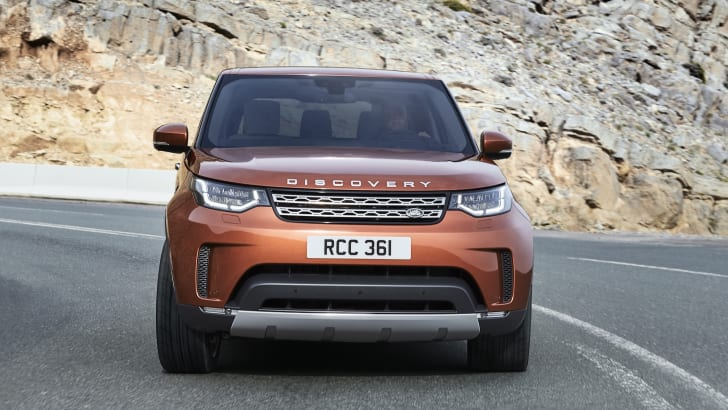 2017-land-rover-discovery_25