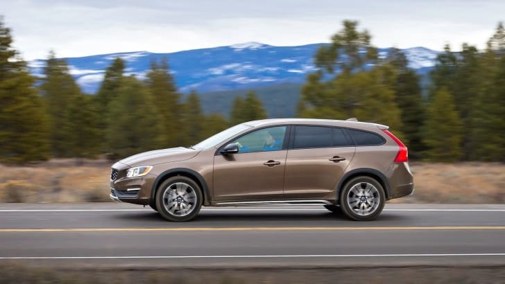 Volvo-V60-Cross-Country-2