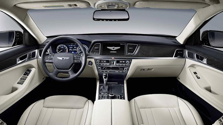 2014 Hyundai Genesis main dash
