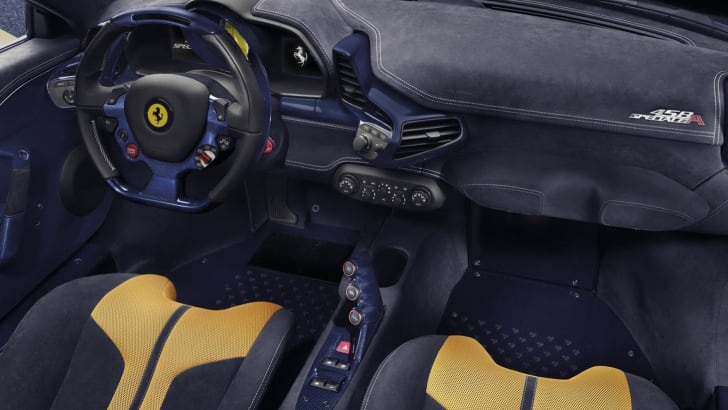Ferrari 458 Speciale A - interior