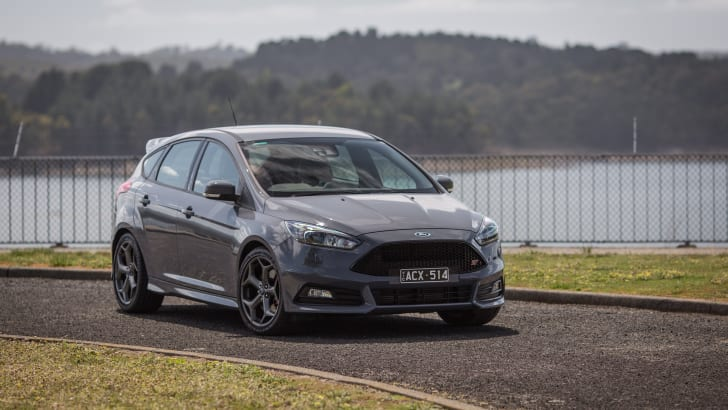2015-ford-focus-st-hatch-21