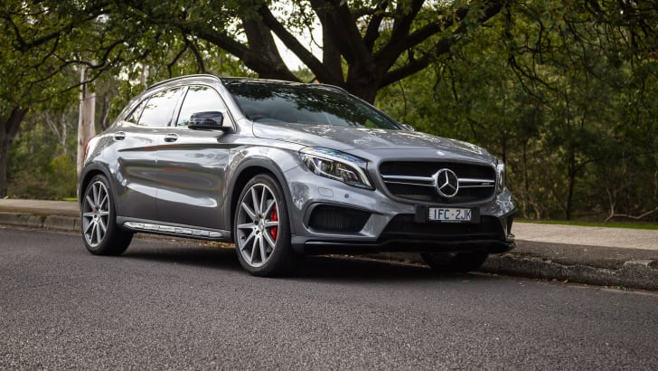 2016-mercedes-amg-gla45-grey-09