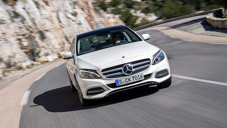 Mercedes Benz; C-Klasse Fahrvorstellung Marseille 2014; C-400_4_Matic; Diamantweiss; Polster Grau/Blau; Ext. Avantgarde