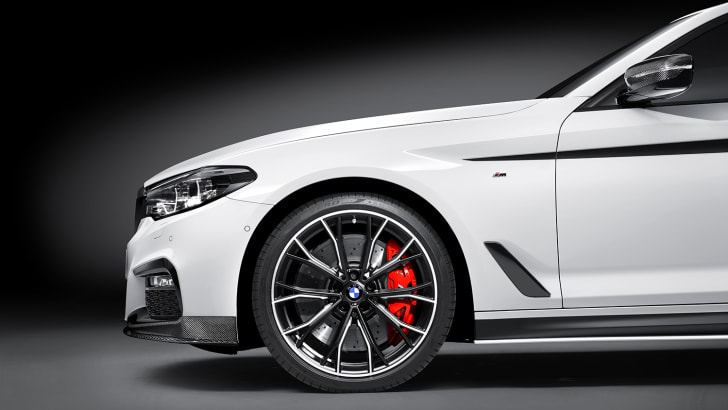 2017_bmw_5-series_m-performance-accessories_p90242677_highres_the-new-5-series-sed