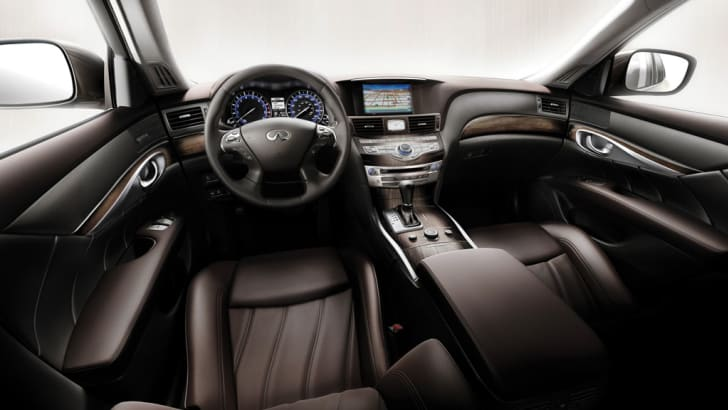 2011 Infiniti M luxury sports sedan unveiled