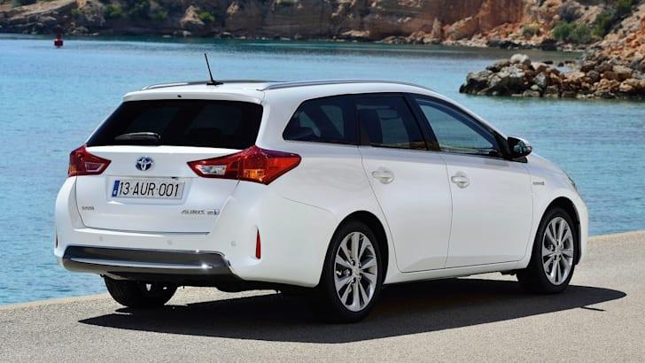 Toyota Auris Touring Sports -3