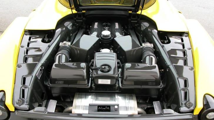 novitec-rosso-ferrari-scuderia-spider-16m_engine