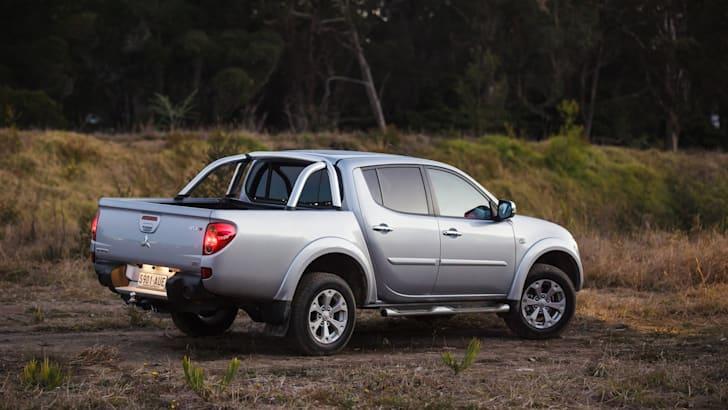 Mitsubishi Triton 9