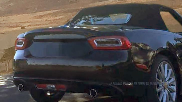2016_fiat_124-spider_spy-photo_jalopnik_03