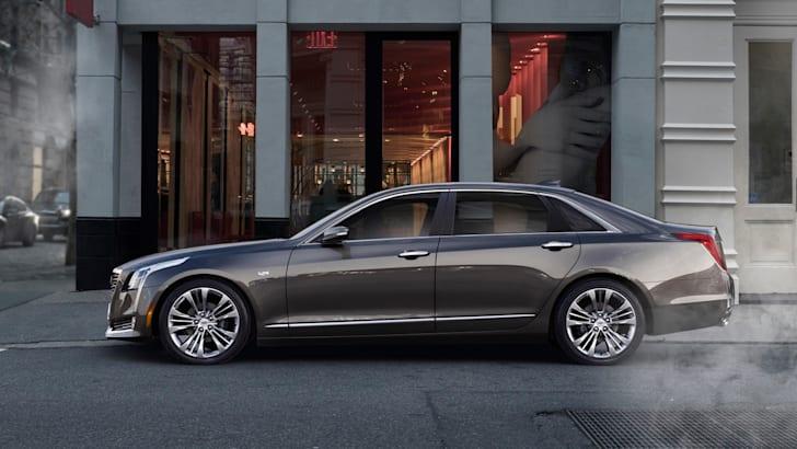 2016-Cadillac-CT6-01