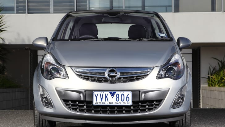 CORSA 5 dr front static