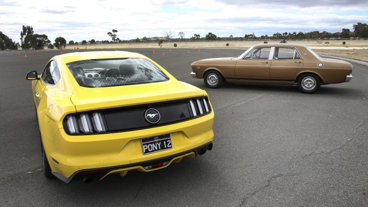 Ford Mustang 18