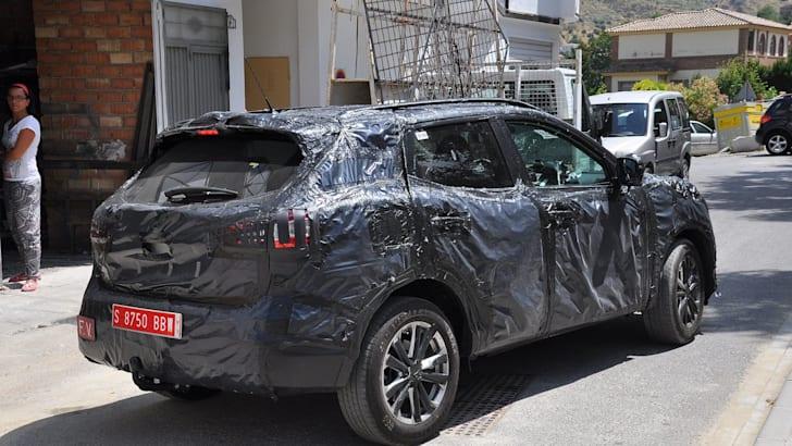 Nissan Dualis 2014 spied 4