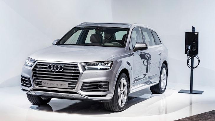 Audi-Q7-e-tron-charging