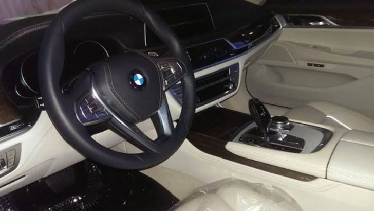 bmw-7-series-undisguised-interior