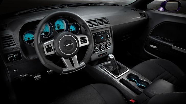 dodge-challenger-interior