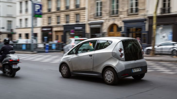 ev-car-share-paris-autolib-2015-31