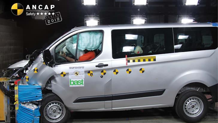 Ford Transit Custom (2014-onwards) frontal offset