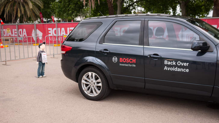 bosch_back-over-avoidance_aeb_emergency-braking