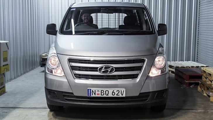 2016 Hyundai iLoad h1 SCR-23