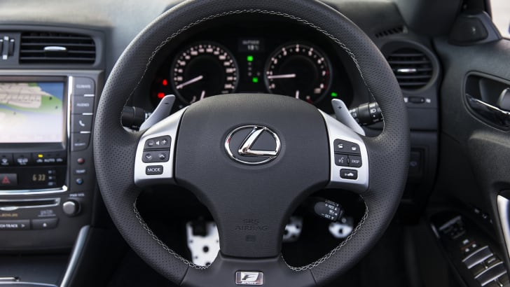 Lexus IS 250C F Sport - 4