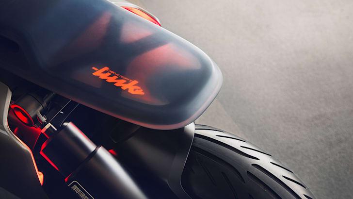 bmw-motorrad-concept-p90260582_highres_bmw-motorrad-concept