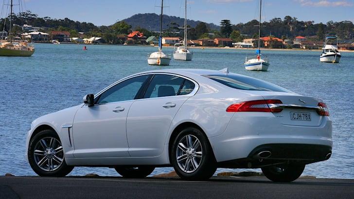 Jaguar-XF-Petrol-Back