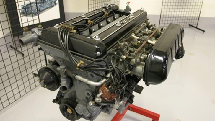 2000GT engine