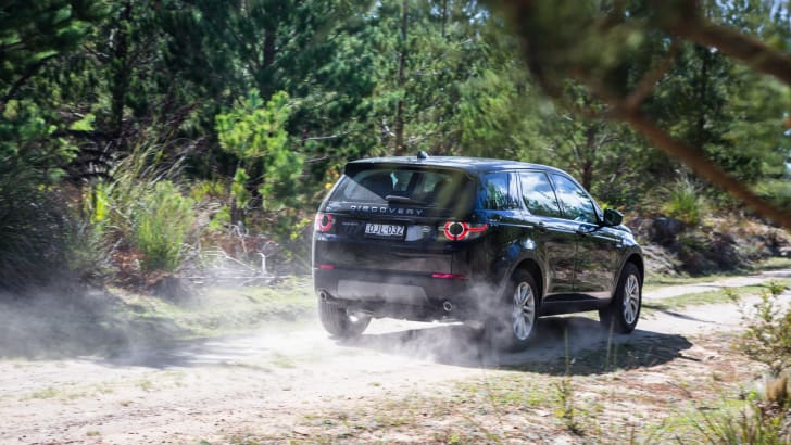 2017-land-rover-discovery-sport-se-16