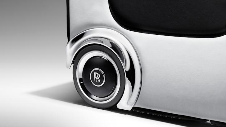 rolls-royce-wraith-luggage-09