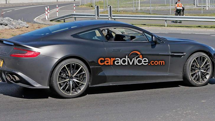 Aston Martin Vanquish S 6