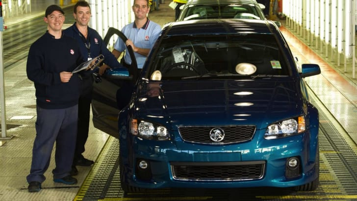 holden-ve-commodore-production-1