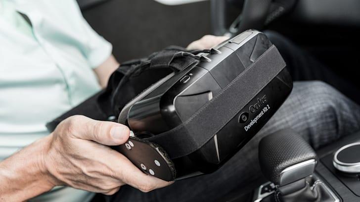 Audi-Virtual-Experience-Car-Oculus-Rift-15
