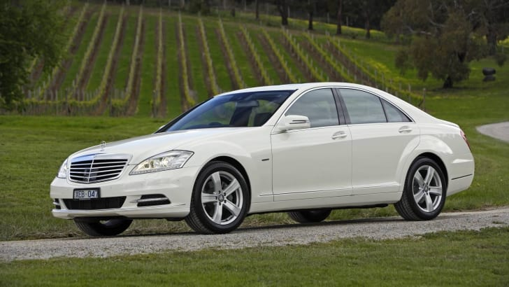 2009-Mercedes-Benz-S-Class-06