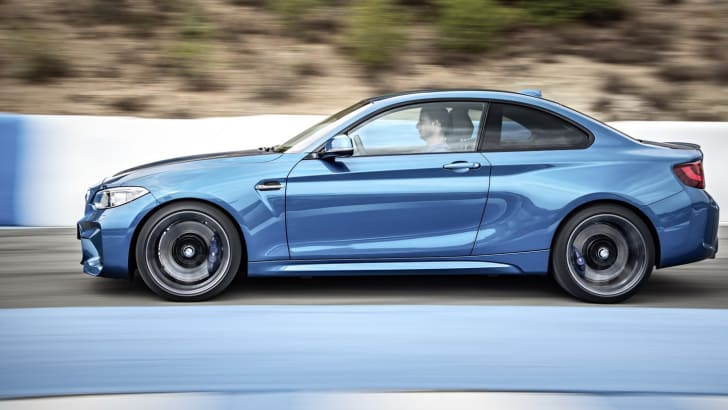2016_bmw_m2-coupe_official_07a